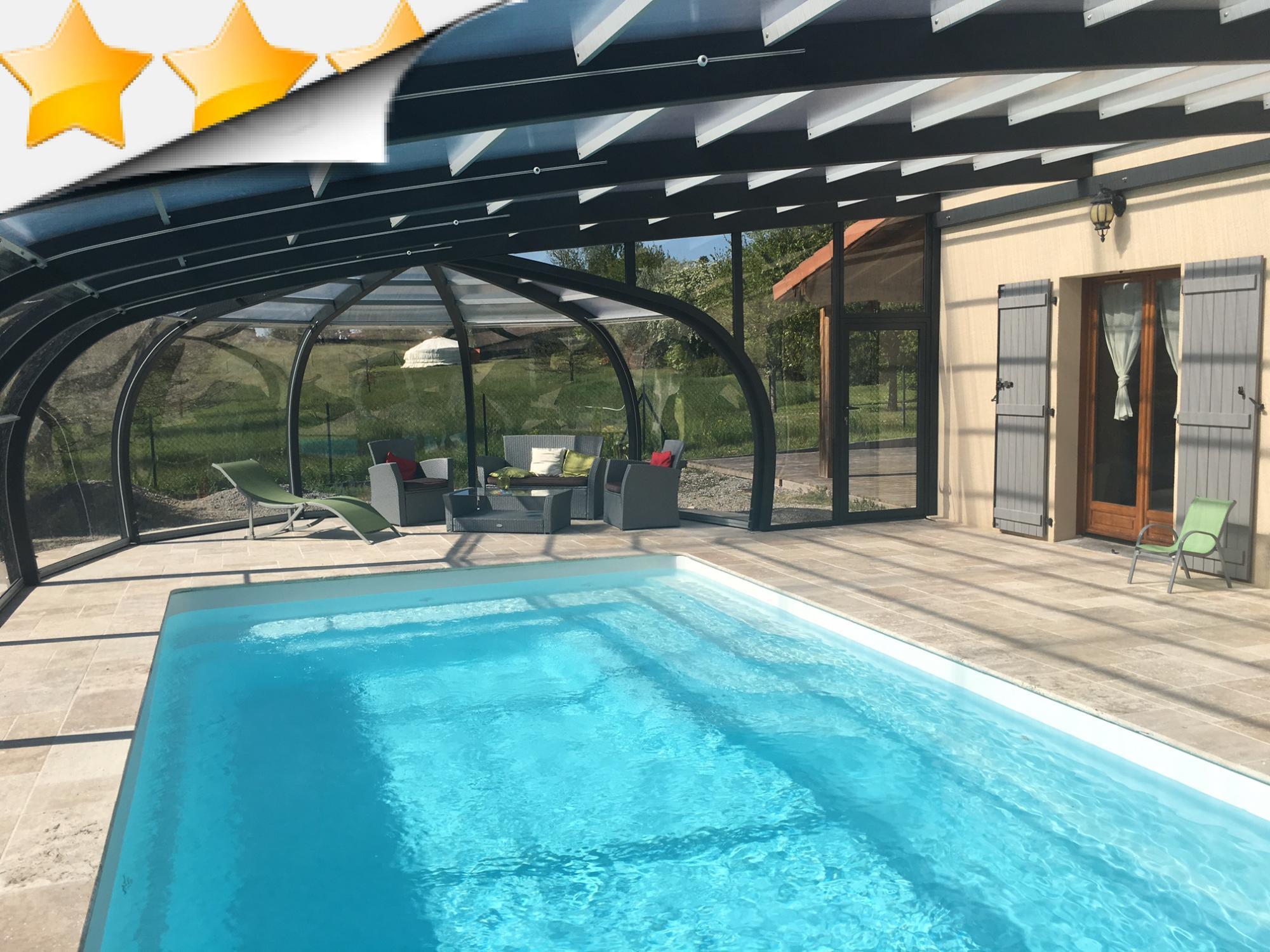abri piscine en bois gris anthracite par apc. Black Bedroom Furniture Sets. Home Design Ideas