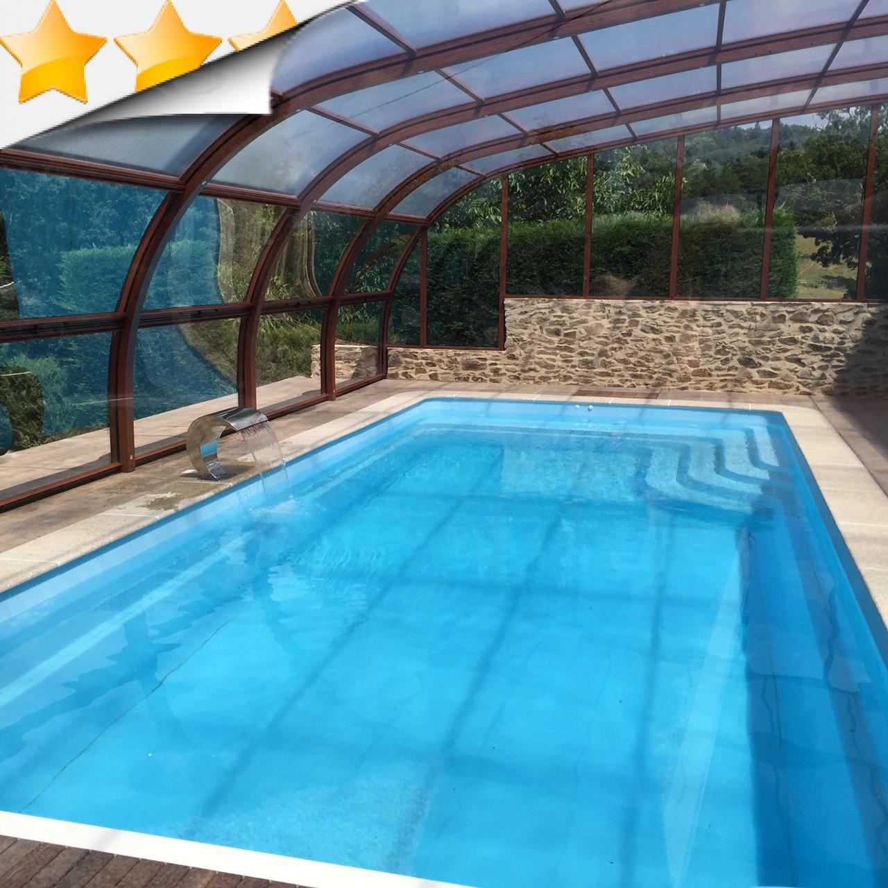 Nos abris aluminium haut par apc for Abri bois piscine