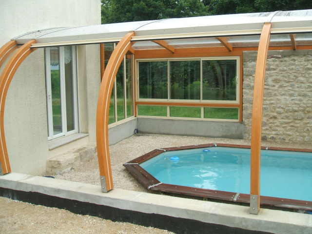 Abri piscine entre 3 murs abris bois par apc - Piscine aqualude montbrison ...