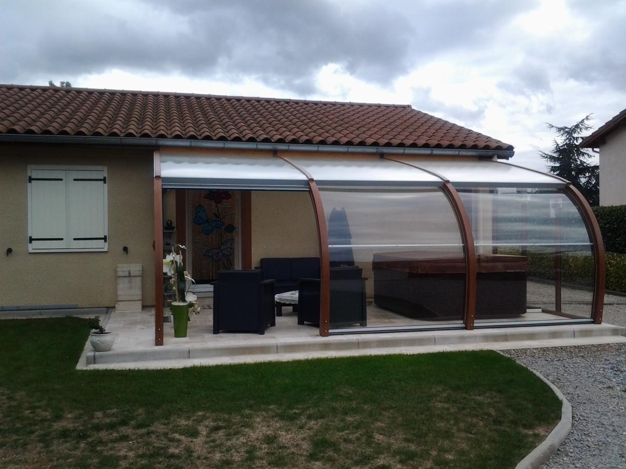 Abri de spa adoss la maison par apc for Abri de piscine montbrison