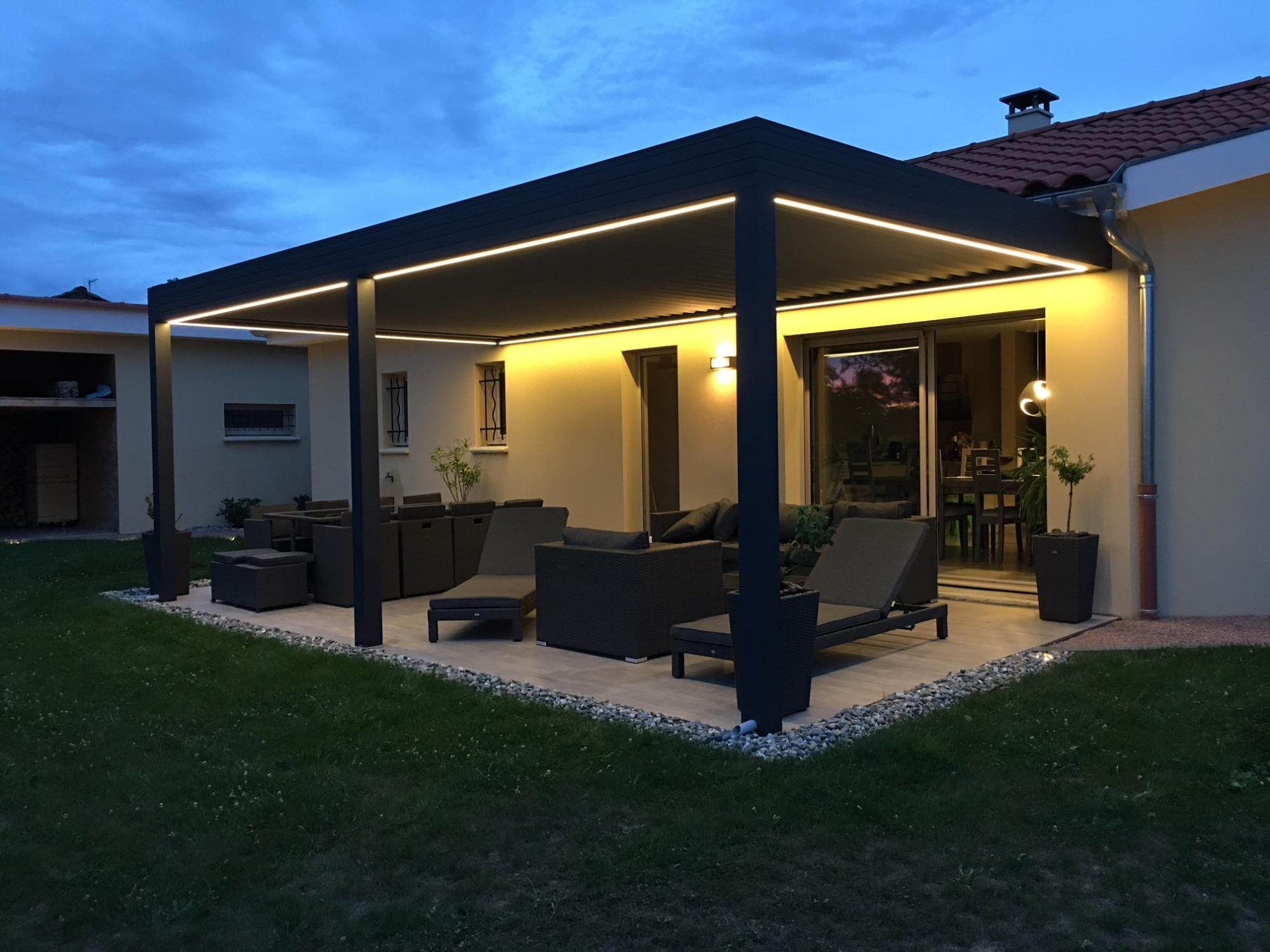 pergola avec clairage leds pergolas par apc. Black Bedroom Furniture Sets. Home Design Ideas