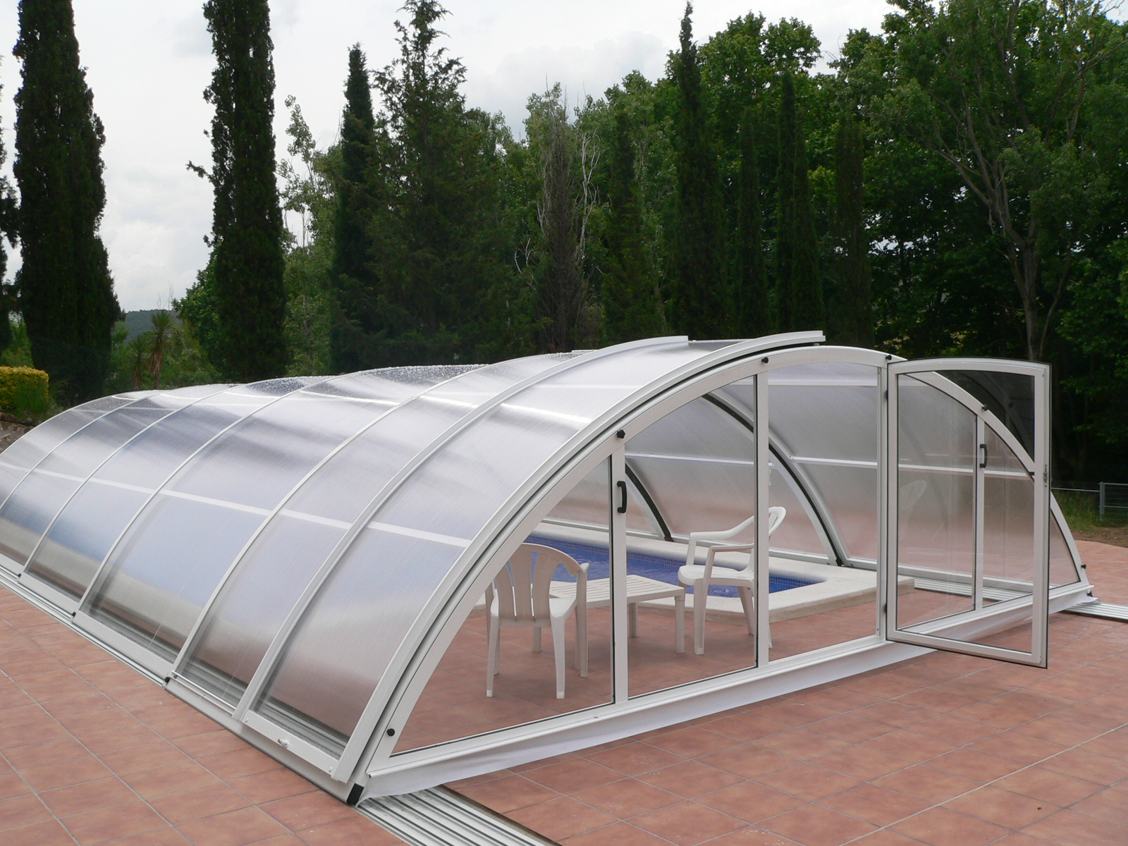 Devis Abri Piscine à Amiens ▷ Haut, Hors-sol, Plat : Tarif & Coût