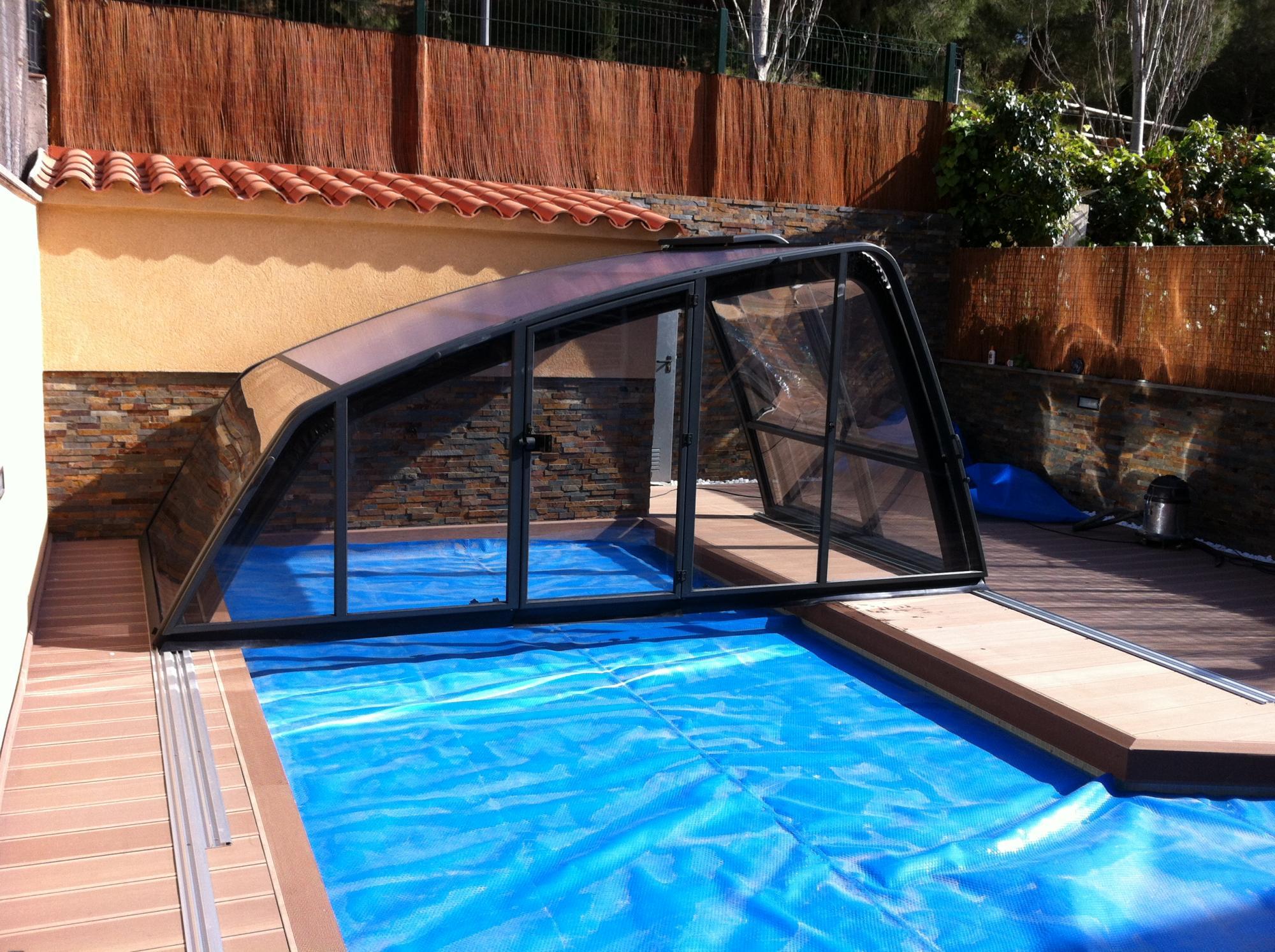 Abri piscine elegant abris alu semi haut par apc for Conception piscine